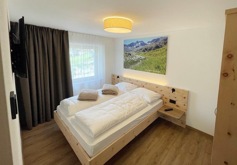 urlaub-appartements-schnalstal-vacanza-appartamenti-senales-dorfblick-Bn1