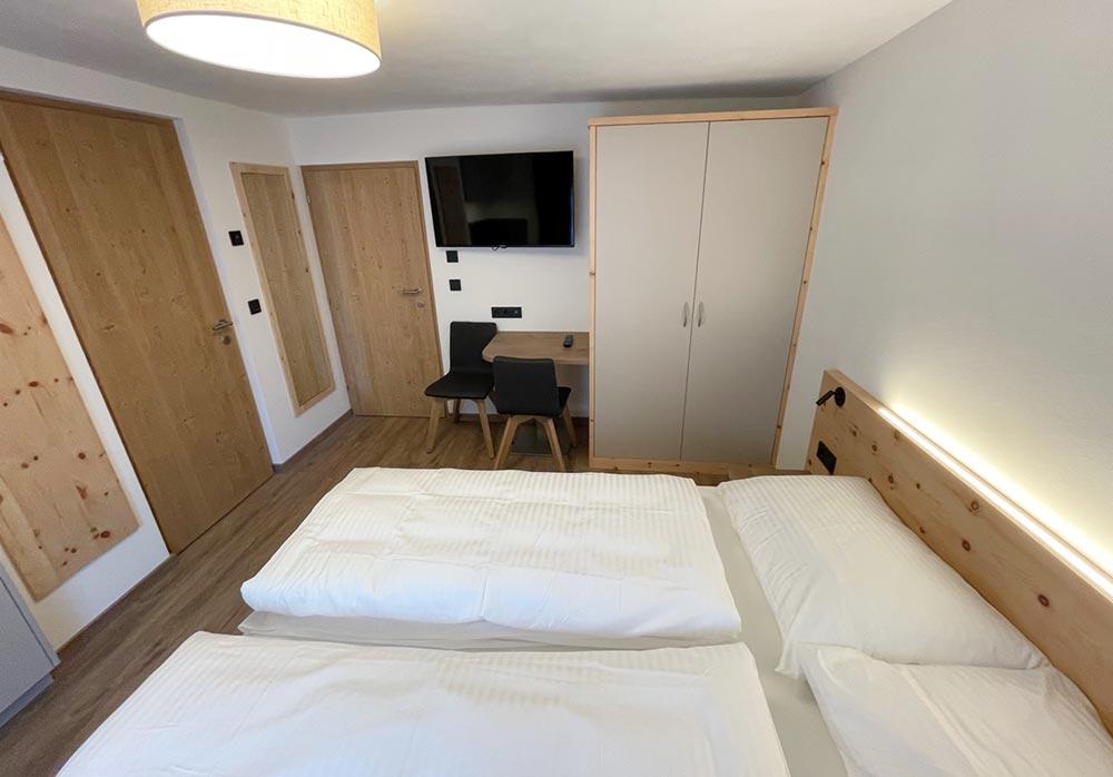 _urlaub-appartements-schnalstal-vacanza-appartamenti-senales-dorfblick-Zn1