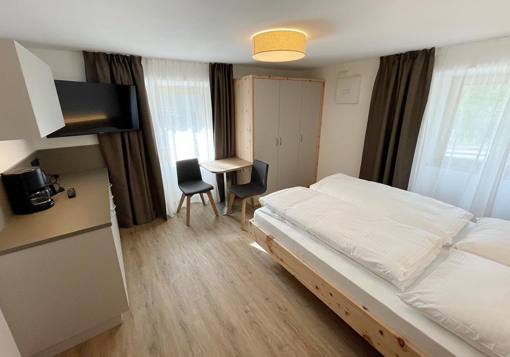 _urlaub-appartements-schnalstal-vacanza-appartamenti-senales-dorfblick-Zn3